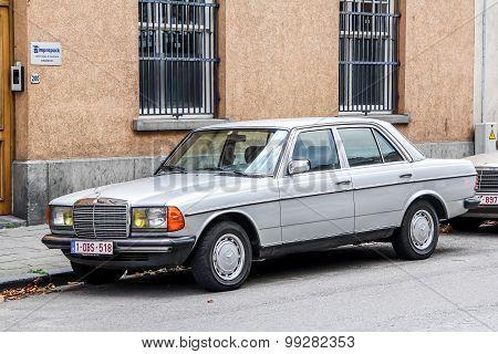 Mercedes-benz W123 E-class