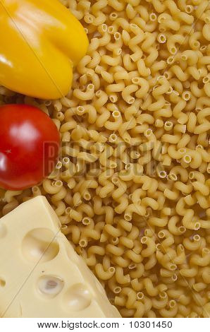 Macaroni , Pepper, Tomato And Cheese