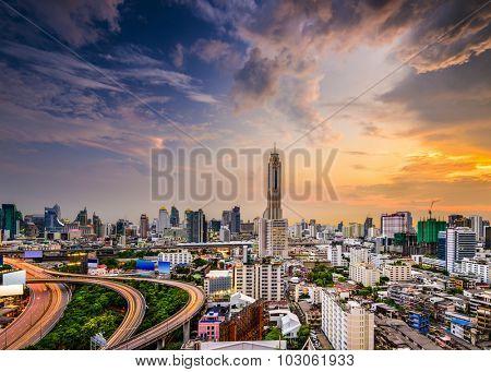 Bangkok, Thailand city skyline of the  Ratchathewi District.