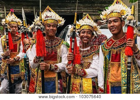 Balinese people in traditional dress