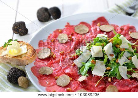 Carpaccio with truffles