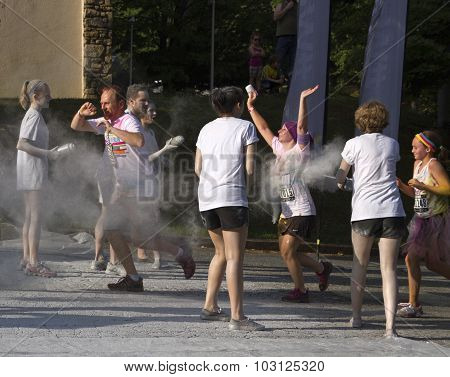 Color Run Racers Jog Through Glitter Spray
