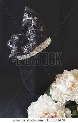 Black And Cream Lace Fashion Fascinator Hat