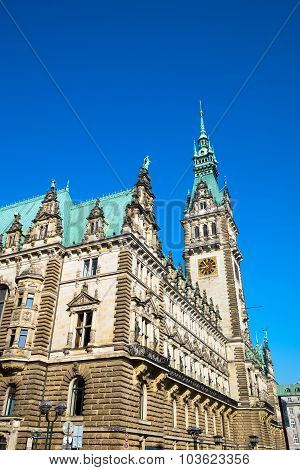 The imposing townhall in Hamburg