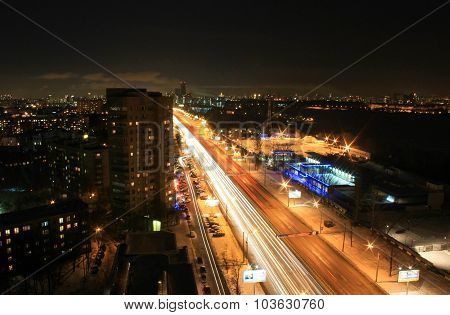 Evening traffic from rooftop