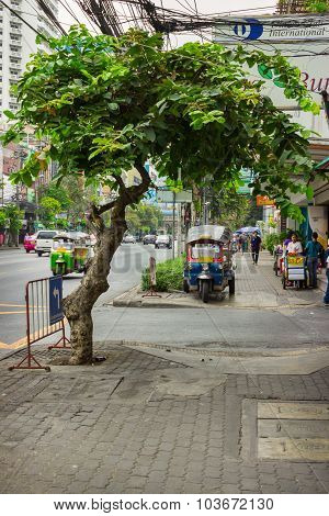 Ordinary Street On The Outskirts Of Bangkok