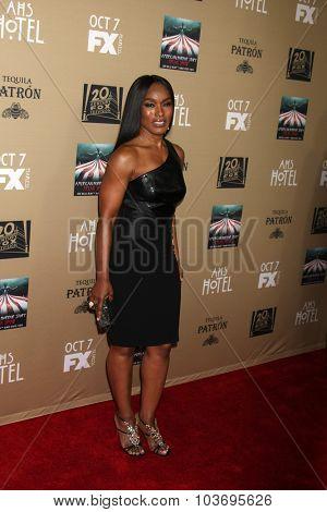 LOS ANGELES - OCT 3:  Angela Bassett at the