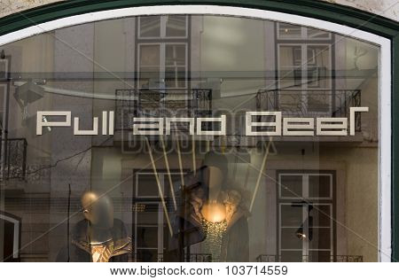 Mistake On Pull And Bear Window In Lisbon