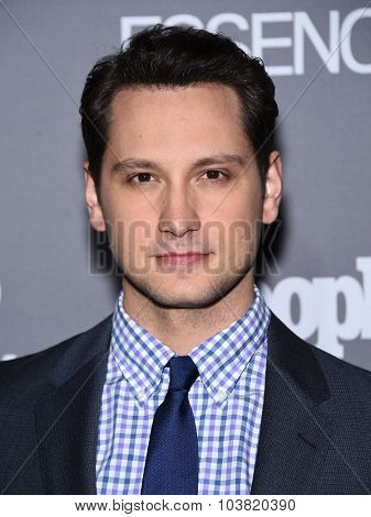 LOS ANGELES - SEP 26:  Matt McGorry arrives to the TGIT Premiere Red Carpet Event  on September 26, 2015 in Hollywood, CA.
