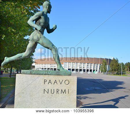 Paavo Nurmi statue