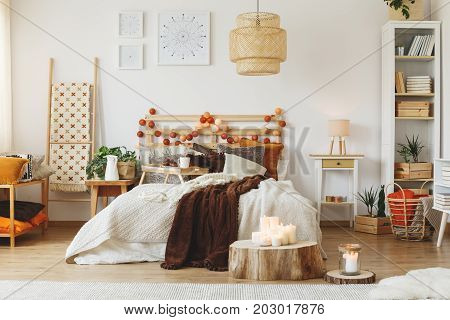 Cozy spacious fully furnished room with big messy bed