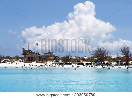 The view of a tourist beach on otherwise uninhabited island Half Moon Cay (Bahamas).