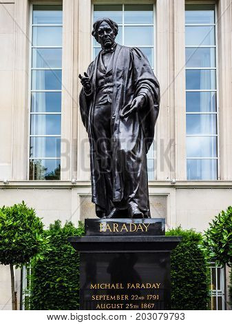 Faraday Monument In Savoy Place In London (hdr)