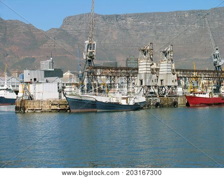 FROM THE VICTORIA AND ALFRED WATERFRONT, CAPE TOWN, SOUTH AFRICA 40lg