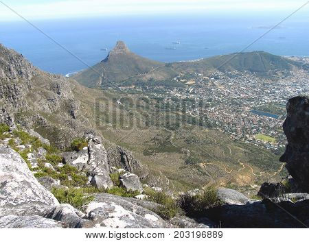 LOOKING DOWN ON TO LIONS HEAD AND SIGNAL HILL,  FROM THE TOP OF TABLE MOUNTAIN 40vvn