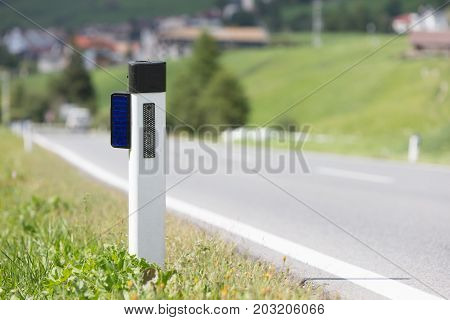 Road Reflector Plate