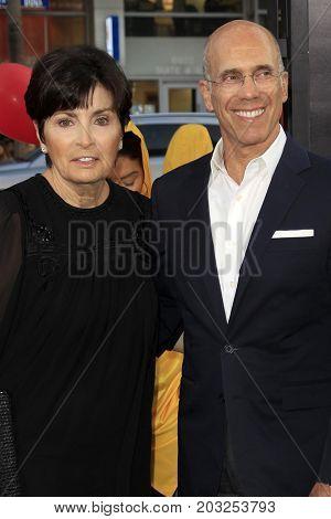 LOS ANGELES - SEP 5:  Marilyn Katzenberg, Jeffrey Katzenberg at the
