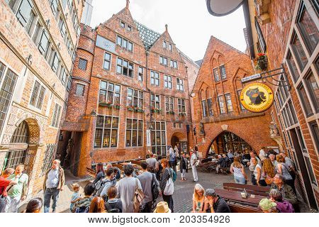 BREMEN, GERMANY - August 09, 2017: View on the Market square full of tourists during the sunny weather in Bremen city, Germany