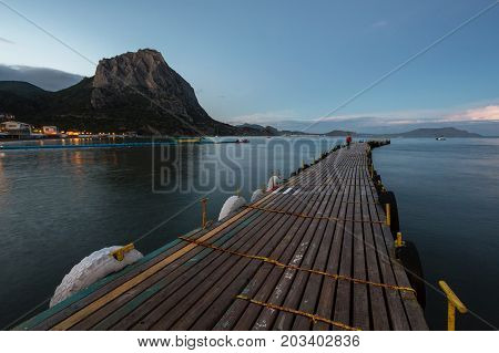 Mooring In The Bay, Floating Pier, A Long Pier