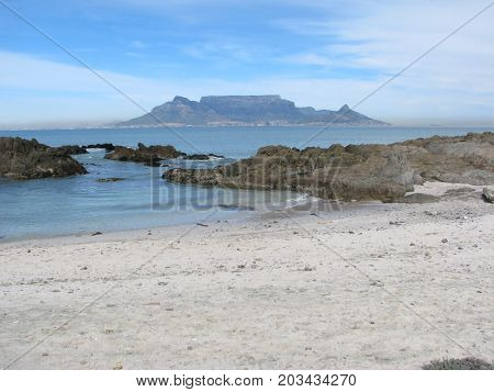 VIEW OF TABLE MOUNTAIN FROM BLOUBERG STRAND, CAPE TOWN, SOUTH AFRICA