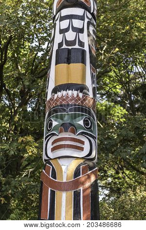 the totem poles in the Stanley park in Vancouver