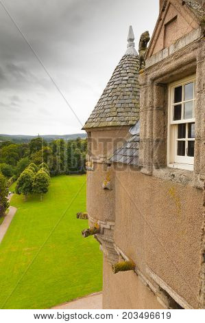 Crathes - august 2014 : This is a detailed of Crathes castle overlooking the wild landscapes. This castle was built between 1543 and 1596 and is located in the Aberdeenshire Scotland