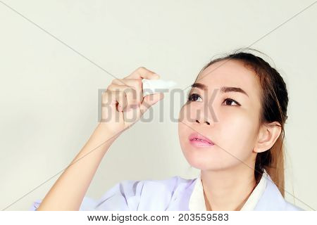 Asian Women Were Carrying Drugs And Getting Eye Drops
