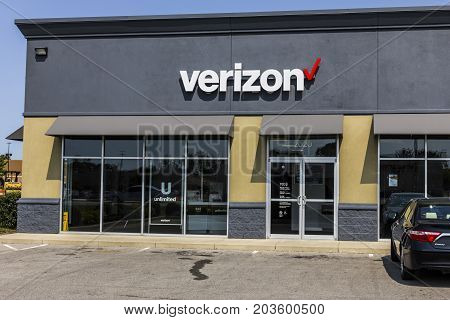 Kokomo - Circa September 2017: Verizon Wireless Retail Location. Verizon is the largest U.S. wireless communications service provider XXI