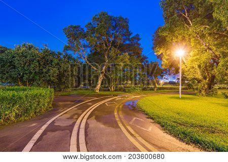 Guting riverside park cycling lanes at night in Taipei