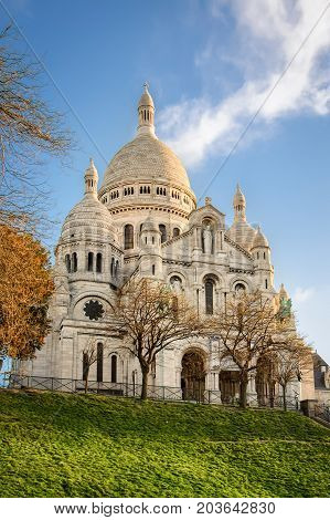 Basilica Of Sacre-coeur In Montmartre, Paris At Sunrise