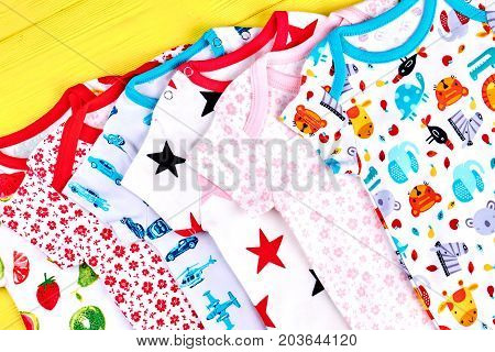 Infants soft printed rompers. Babies new patterned bodysuits on sale. Newborn kids brand apparel collection.