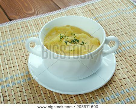 Crema de garbanzos.Hummus sin tahini soup , close up meal