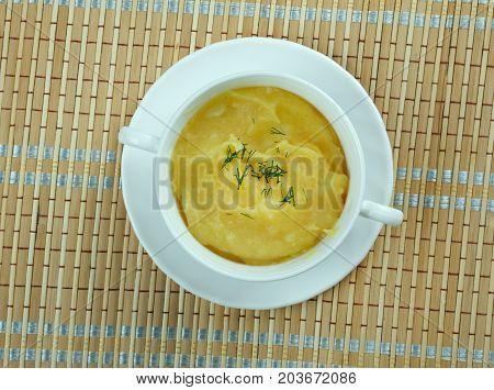 Crema de garbanzos. Hummus sin tahini soup  , close up