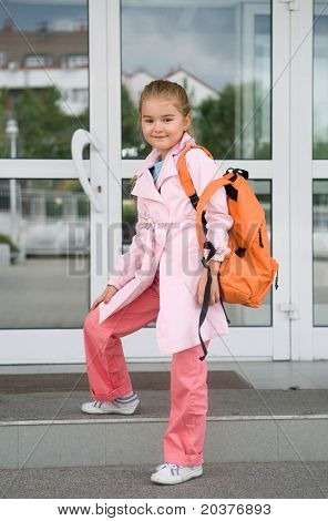 first grade student entering the school