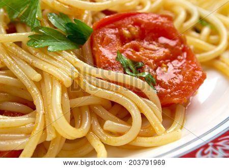 Spaghetti Piccanti al Pomodoro Fresco , close up meal