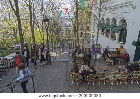 A Small Cafe On The Stairs Leading To The Top Of  Montmartre. Paris, France