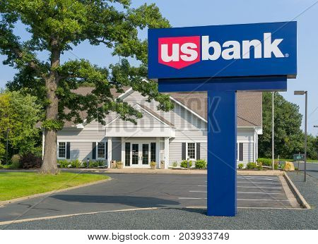 Us Bank Exterior And Logo