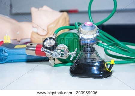 oxygen cylinder nearside aed and cpr model