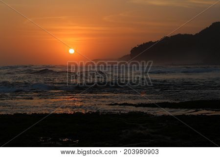 sunset picture of the afternoon on the beach