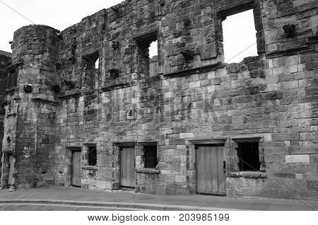 An exterior view of an old ruined mansion in Stirling