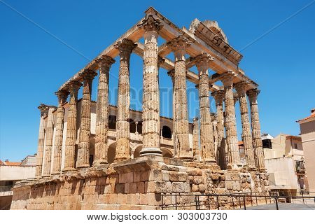 The Famous Roman Temple Of Diana In Merida, Province Of Badajoz, Extremadura, Spain .