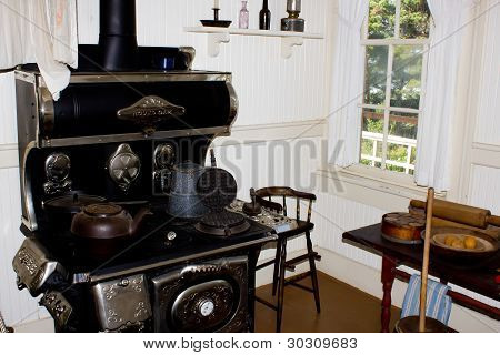 1880S Kitchen