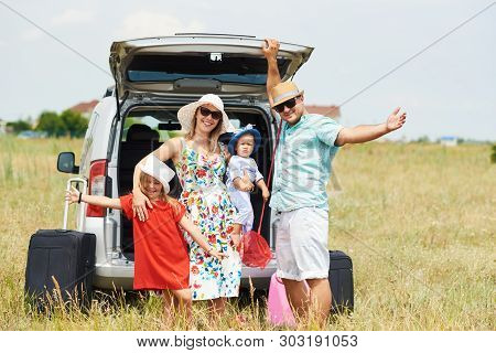 Vacation, Travel - Family Ready For The Travel For Summer Vacation. Suitcases And Car Route. People
