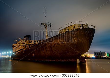 Wreck Off The Coast Of Lanzarote-ship Temple Hall, Night