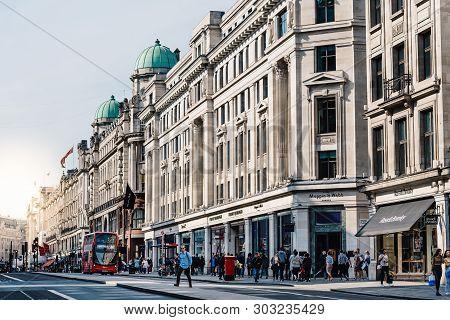 London, Uk - May 15, 2019: Street Scene In Regent Street With Sunlight Flare. Regent Street Is A Maj
