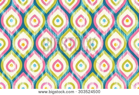 Vector Seamless Vintage Pattern With Stylized Peacock Feathers. Retro Patteern In 60s Style With Pea