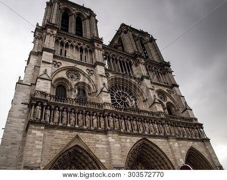 Sculptures At The Main Entrance To The Cathedral Notre Dame De Paris. Notre Dame - Famous Gothic, Ro