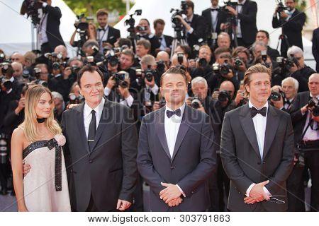 Margot Robbie, Quentin Tarantino, Leonardo DiCaprio and Brad Pitt attend the screening of