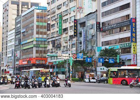 Taipei, Taiwan - December 5, 2018: Zhongshan District Shopping Area In Taipei, Taiwan. Taipei Is The