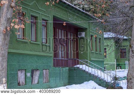 Abkhazia, Lake Ritsa, 06.01.2021-summer Secret Cottage Of Joseph Stalin On Lake Ritsa In The Republi